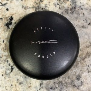MAC Beauty Powder in Shell Pearl